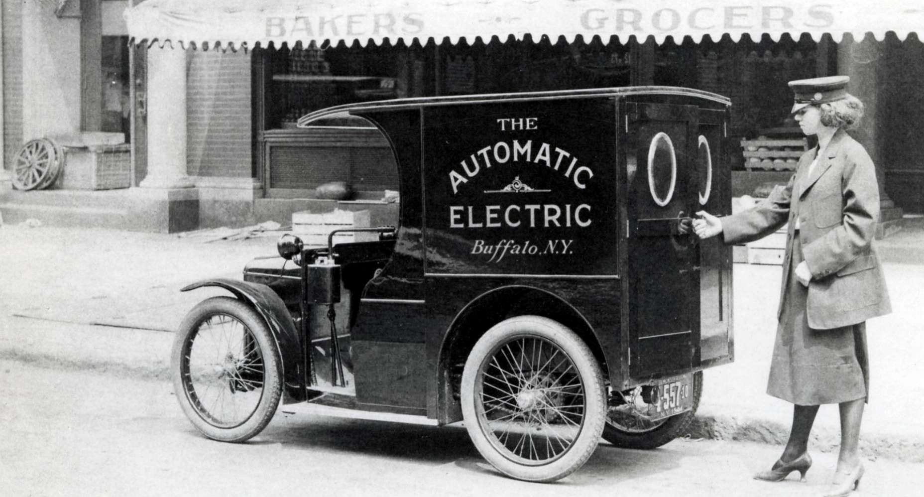 1921 electric delivery van, Buffalo, New York