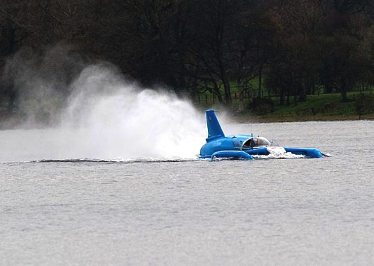 Bluebird K7 inspired boat getting up to speed piloted by Jim Noone