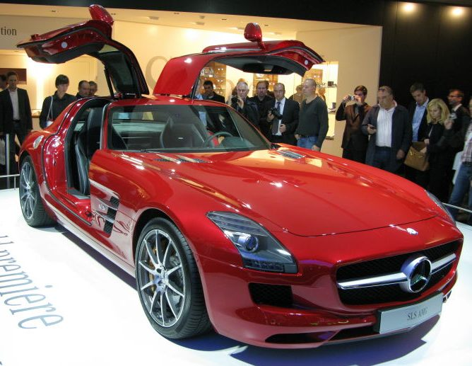AMG SLS gull wing car