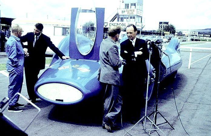 Bluebird CN7 at Goodwood with Leo Villa and Donald Campbell