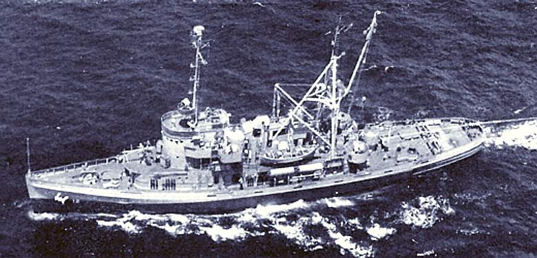 USS Bluebird, submarine rescue craft