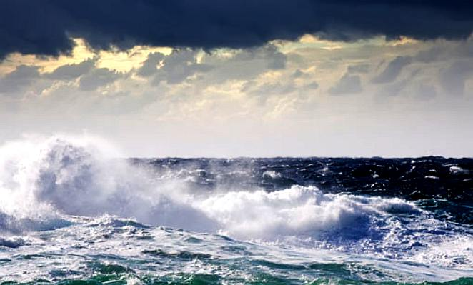 Waves in stormy conditions - ideal for generating electricity