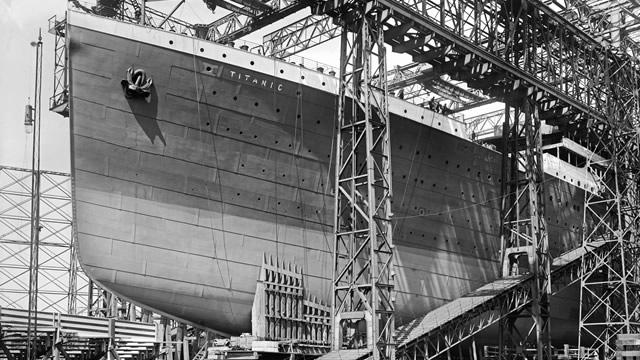 The Titanic cruise liner under construction